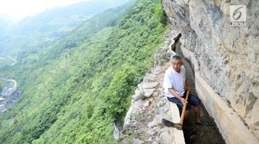 Huang prihatin karena kondisi penduduk tak memiliki pasokan air yang cukup.