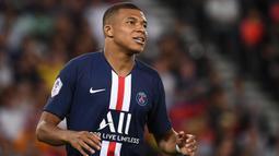 2. Kylian Mbappe - PSG melabuhkan Kylian Mbappe dari Monaco dengan nilai transfer 135 juta euro. (AFP/Franck Fife)