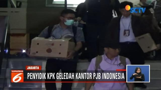 Terkait kasus suap PLTU Riau-1, Penyidik KPK menggeledah ruangan di Kantor Pusat Indonesia Power, Jakarta, Selasa (17/7) dini hari.