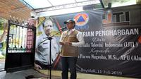Ikut hadir dalam serah terima penghargaan 'Pengabdian Tanpa Batas' oleh IJTI pada Kamis, 11 Juli 2019, Kepala BNPB Doni Monardo menyebut, Sutopo adalah legenda. (Dok Badan Nasional Penanggulangan Bencana/BNPB)