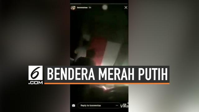 Polres Indragiri Hulu, Riau, menangkap empat pemuda yang diduga mengencingi Bendera Merah Putih. Empat pemuda itu diamankan setelah video mereka yang diduga sedang mengencingi Bendera Merah Putih viral di sosial media.