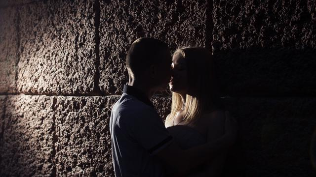 5 Ciuman Kejutan Yang Bikin Suami Ketagihan Health