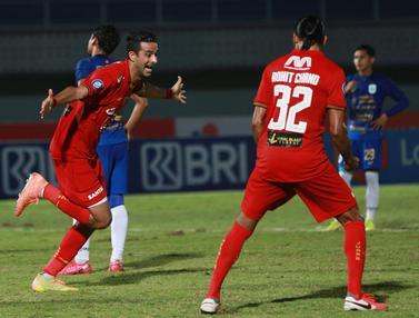 Foto: Persija Jakarta Ungguli PSIS Semarang 1-0 di Babak Pertama dalam BRI Liga 1 2021 / 2022