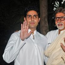 Amitabh Bachchan dan Abhisek Bachchan (AFP)