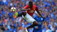 Bailly puas bisa membuat terkesan Mourinho di MU. (GLYN KIRK / AFP)