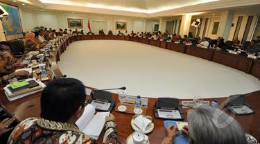 Presiden Joko widodo Pimpin Sidang Kabinet Paripurna