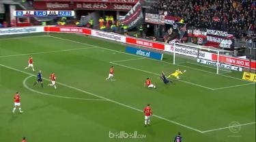 Berita video highlights Eredivisie 2017-2018 antara AZ melawan Ajax dengan skor 1-2. This video presented by BallBall.