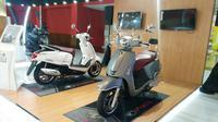 Kymco Like 150 menjadi rival dari skutik premium Vespa (Arief/Liputan6.com)
