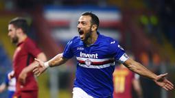 1. Fabio Quagliarella (Sampdoria) - 21 Gol (8 Penalti). (AFP/Marco Bertorello)