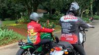 Jaket Kaesang Pangarep saat mengawal Presiden Jokowi jalan-jalan ke mal di Bogor curi perhatian (Dok.Instagram/@kaesangp/https://www.instagram.com/p/B6kbyCNph2T/Komarudin)