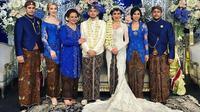 Putra bungsu Bambang Trihatmojo, Bambang Aditya Trihatmanto resmi mempersunting Kezia Toemion. (dok. Instagram @varshaadhikumoro/https://www.instagram.com/p/BuwPS9bAhoQ/Putu Elmira)