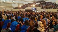 Penonton Emtek Goes to Campus atau EGTC di UPN Veteran Yogyakarta membludak, Kamis (21/11/2019). Mereka berasal dari berbagai universitas di Yogyakarta. (Liputan6.com)