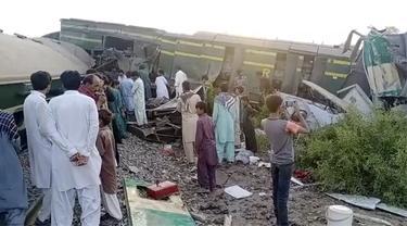 Tabrakan Kereta Api di Pakistan, 30 Orang Tewas