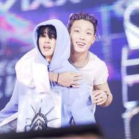 Bobby dan Donghyuk iKON beri isyarat merindukan sosok B.I. (Twtter)