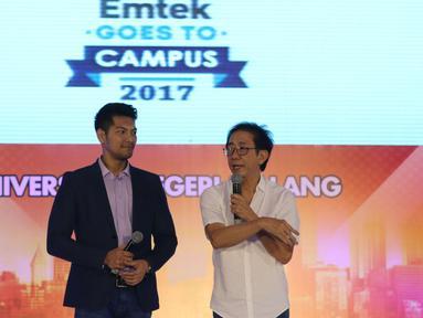 Direktur Marketing PT Sido Muncul Irwan Hidayat berbagi pengalaman di acara Emtek Goes To Campus (EGTC) 2017 di Universitas Negeri Malang, Kamis (4/5). Irwan Hidayat membagikan pengalamannya saat membangun Sido Muncul. (Liputan6.com/Helmi Afandi)