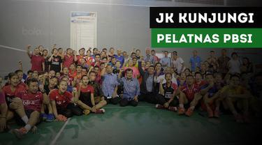 Wakil Presiden Republik Indonesia, Jusuf Kalla, mengunjungi pelatnas bulutangkis PBSI di Cipayung.
