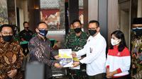 Ketua Komisi I DPR, Meutya Viada Hafid mengapresiasi uji klinis fase 3 kombinasi obat COVID-19 di Mabes AD, Jakarta, Sabtu 15 Agustus 2018. (Istimewa)