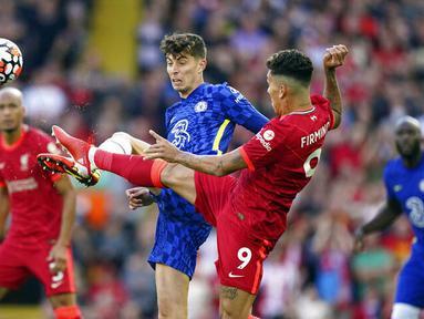 Liverpool gagal melanjutkan tren kemenangan beruntun dan harus rela berbagi poin dengan Chelsea pada laga lanjutan Liga Inggris. Bermain di Anfield, The Reds hanya mampu bermain imbang dengan skor 1-1. (Foto: AP/Mike Egerton)