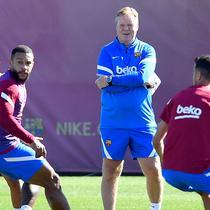 Kedua, Koeman mengubah sistem dan gaya bermain Barcelona. Pola 4-2-3-1 lebih ia pilih dibanding pola 4-3-3 yang merupakan gaya alami bermain Barcelona. Bahkan, tiki-taka khas Blaugrana mulai ia tinggalkan. (AFP/Pau Barrena)