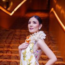 Nindy memakai gaun rancangan Didi Budiardjo di event IFA 2019 (Dok. Nindy)