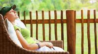 Liburan panjang di rumah bisa disiasati dengan berbagai aktivitas pelipur rasa bosan. Relaksasi sambil melakukan perawatan di halaman belaka