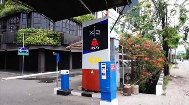 Isu ini ramai dibahas saat seorang netizen mengunggah foto plang Hotel Alexis berganti menjadi logo dan tulisan 4Play.