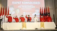 Rapat Konsolidasi di Surabaya yang Dihadiri Sekjen PDIP Hasto Kristiyanto dan Sejumlah Pengurus dan Tokoh Surabaya. (Foto: Dokumentasi PDIP).