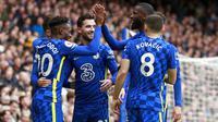 Para pemain Chelsea merayakan gol yang dicetak Callum Hudson-Odoi ke gawang Norwich City dalam lanjutan Liga Inggris 2021/2022, Sabtu (23/10/2021) WIB. (AP Photo/Ian Walton)