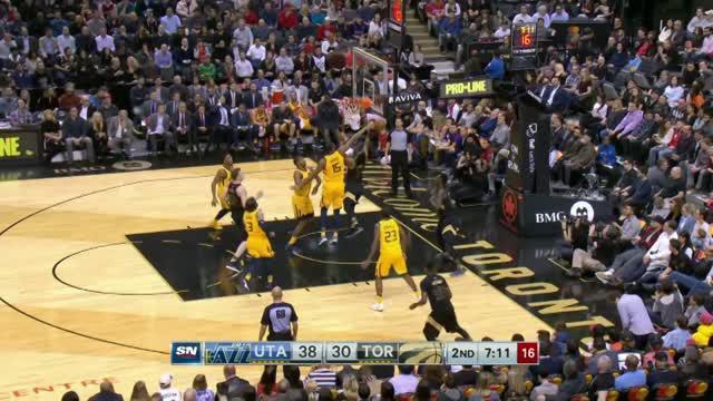 Berita video game recap NBA 2017-2018 antara Utah Jazz melawan Toronto Raptors dengan skor 97-93.
