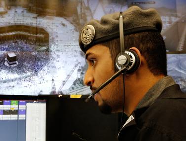 Mengintip Ruang Pusat Pemantauan 911 Arab Saudi