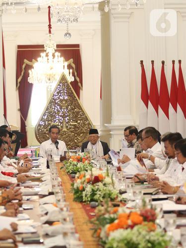 Presiden Jokowi Pimpin Rapat Perdana Kabinet Indonesia Maju