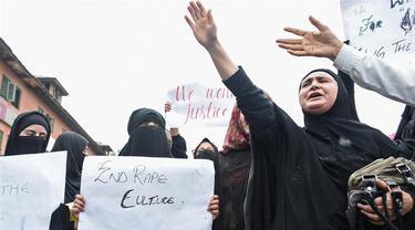Ribuan orang berunjuk rasa di Kashmir, menuntut keadilan terhadap bocah 3 tahun korban kekerasan seks (AFP/Tauseef Mustafa)