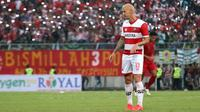 Gelandang Madura United, Dane Milovanovic. (Bola.com/Aditya Wany)