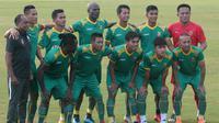 Sriwijaya FC saat melawan Badak Lampung FC. (Bola.com/Vincentius Atmaja)