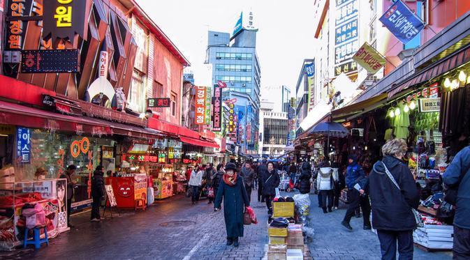 Nikmati beberapa pengalaman unik yang hanya dapat Anda temukan di Seoul, Korea Selatan. (Foto: theseoulguide.com)