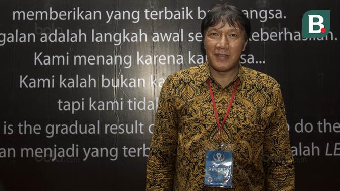 Legenda sepak bola Indonesia, Robby Darwis, saat menghadiri Anugerah Leganda Olahraga di Hotel Bidakara, Jakarta, Rabu (13/12/2017). Sebanyak 286 atlet masing-masing mendapatkan 40 juta rupiah. (Dok Bola.com)