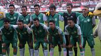 Skuat PSS jelang laga celebration game di Stadion Maguwoharjo, Sleman (19/1/2019). (Bola.com/Vincentius Atmaja)