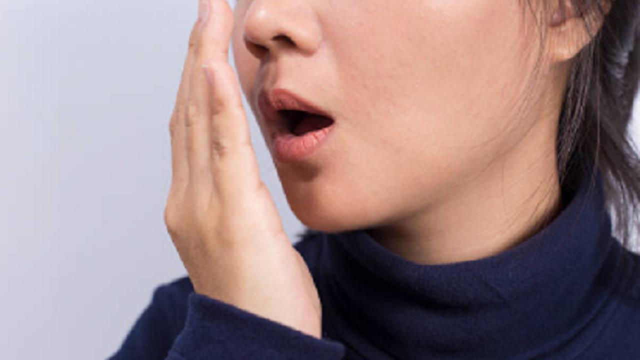 5 Cara Ampuh Setop Bau Mulut dalam Waktu 5 Detik