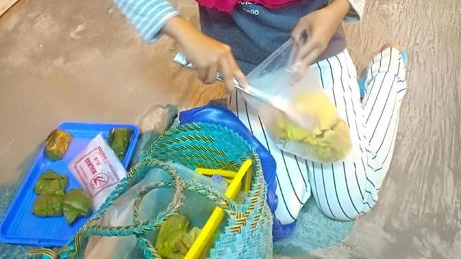 Bocah penjual gorengan viral di Facebook. (Foto: Liputan6.com/Callista Khanza Sport-Muhamad Ridlo)