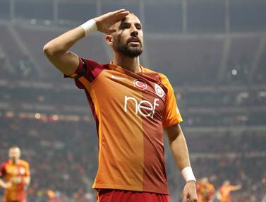 201612110-Selebrasi Pemain Galatasaray untuk Tragedi Bom Turki-Istanbul