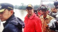 Gubernur DKI Jakarta Anies Baswedan menyambangi Bendung Katulampa (Liputan6.com/ Delvira Chaerani Hutabarat)