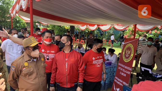 PBESI targetkan 5000 vaksinasi untuk pelajar dan masyarakat di sekitar kota Jayapura. (Liputan6.com/ Yuslianson)