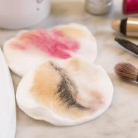 Beauty Tips: Makeup Remover for Sensitive Skin / Image: Shutterstock