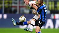 Inter Milan mengincar bek Parma, Dejan Kulusevski (kiri) (Miguel Medina/AFP)