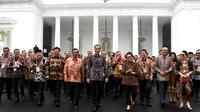 Presiden Jokowi bersama dengan para Kepala Perwakilan RI dengan Kemlu mengadakan rapat kerja di Istana Negara (9/1). (Foto: Sekretariat Kabinet Republik Indonesia)