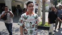 Putra sulung Presiden Jokowi, Gibrang Rakabuming Raka menemui Wali Kota Solo di rumah dinas Loji Gndrung, Rabu (18/9).(Liputan6.com/Fajar Abrori)