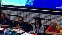 Deputi III Games Support Inasgoc, Ahmed Solihin, melakukan pemaparan terkait IT, akomodasi, dan transportasi selama Asian Games 2018 di Main Press Center, Senayan, Jakarta, Kamis (30/8/2018). (Bola.com/Benediktus Gerendo Pradigdo)