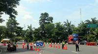 Suasana hari kedua PSBB di Surabaya Raya pada Rabu, 29 April 2020. (Foto: Liputan6.com/Dian Kurniawan)