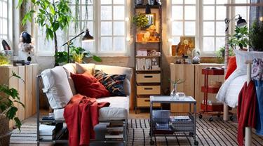 Sofa adalah kunci di dalam ruangan yang akan membuat pandangan orang terfokus pada benda tersebut.